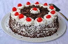 Torta foresta nera alle fragole e ciliegie foto passo passo ricetta arte in cucina