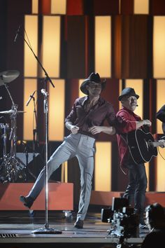 """Tim McGraw performs """"Southern Girl"""" at """"The Annual CMA Awards,"""" live Wednesday, Nov. 6 at the Bridgestone Arena in Nashville and broadcast on the ABC Television Network. Tim And Faith, Tim Mcgraw Faith Hill, Cma Awards, Nov 6, Country Music Stars, Big Night, Yesterday And Today, American Singers"""