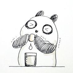 【一日一大熊猫】2016.10.12 豆乳の日。 大豆は畑のお肉と呼ばれているよ。 だから栄養補給のために豆乳をたくさん飲んでるよ。 美味しいってのもあるけどね。 #パンダ #panda #豆乳