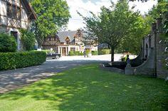 DE WIJNGAARD - Chateau Presseux - Sprookjesachtig kasteel met koetshuis en authentieke kapel - tot 60 personen
