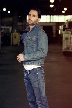 Not many people can pull off a whole denim outfit......but there is always an exception