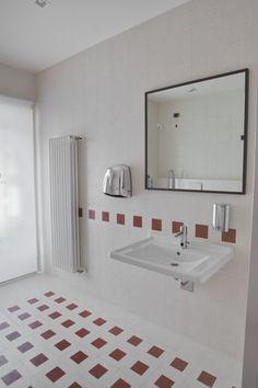 27 best Pavimentazioni e rivestimenti per il bagno - graniglia e ...