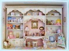 Patricia Cruzat Artesania y Color: Cuadro Gran Biblioteca y Rincón Infantil con Miniaturas para Niña
