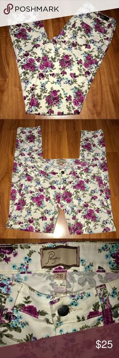 Paige Peg skinny floral print pants white purple Super cute pairs of pants. 98%cotton, 2%spandex for the most comfortable and flattering fit. Looks great with a white loose flowy top (see my other listings 😉) and cute sandals, luckily I have those things in my closet as well, so it's a one stop shop😊😁. In great condition. Floral print is beautiful and super trendy right now. Paige Jeans Pants Skinny