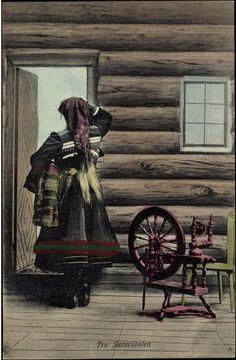 Vintage postcard from Sæterdalen, Norway~Postkarte Fra Saetersdalen, Spinnrad, Frau in traditioneller Tracht