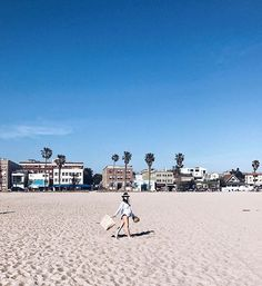 WEBSTA @ maritsanbul - On wednesdays, we go to #thebeach  #CaliLife #BeachFront #LA #33weekspregnant #7weekstogo