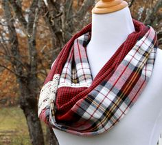 15 Minute Plaid and Lace Infinity Scarf DIY Plaid Flannel Infinity Scarf Sewing Scarves, Sewing Clothes, Diy Clothes, Peter Pan, Infinity Scarf Tutorial, Sewing Patterns For Kids, Sewing Ideas, Sewing Diy, Sewing Crafts