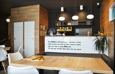 Interior pizzeria flavours, maner frezat. Conference Room, Interior Design, Table, Furniture, Home Decor, Interiors, Nest Design, Decoration Home, Home Interior Design