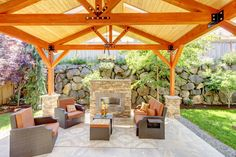 The summer is a time for outdoor entertaining, but a customized outdoor kitchen can be enjoyed throughout the year if planned correctly. Making careful choices regarding everything from the flooring to the appliances will provide years of entertainment for friends and loved ones.