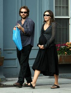 Peter Saarsgard and Maggie Gyllenhall Winter Outfits, Summer Outfits, Maggie Gyllenhaal, Rachel Bilson, Maternity Wear, Body Shapes, Work Wear, Actors, My Style