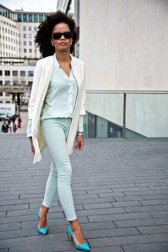 "kendaatlarge: "" beyond boston chic: white coat "" Denim Fashion, Fashion Outfits, Womens Fashion, Spring Summer Fashion, Spring Outfits, Street Chic, Street Style, Colored Jeans, Fashion Prints"