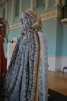 ~Maternity gown worn by Duchess of Devonshire, 1780s/90s~