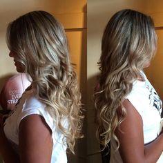 Blond bombshell ✂️ @tawshadawn #yegstylist #yegsalon #blonde #longhair #jigsawforhair