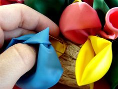 Celebration Balloon Wreath tutorial
