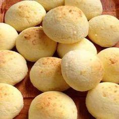 """Essa prática receita de Pão de Batata sem Glúten e sem Lactose é saborosa, saudável e lembra muito o pão de queijo, sendo chamado de """"falso pão de queijo"""". MAIS 200 RECEITAS SEM GLÚTEN E SEM LACTOSE VOCÊ ENCONTRA AQUI: http://edzz.la/RZ3VO?a=295262"""
