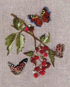Papillons, framboise, broderie