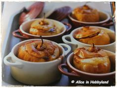 Kaneelappels uit de oven Dutch Oven Recipes, Pie Dessert, Pudding, Cupcakes, Yummy Food, Snacks, Meals, Fruit, Cooking