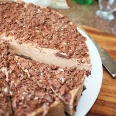 No-bake Toblerone cheesecake - we have some Toblerone fans in the family so might have to make this one for xmas as a change from the usual baileys version!