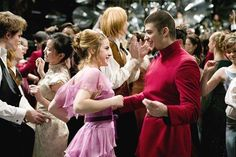 Gettin' their groove on at the Yule Ball ~ Hermione Granger and Viktor Krum ~ Harry Potter and the Goblet of Fire Hermione Granger, Draco Malfoy, Ron Et Hermione, Ron Weasley, Hermione Dress, Hermione Costume, Harry Potter Love, Harry Potter Universal, Harry Potter World