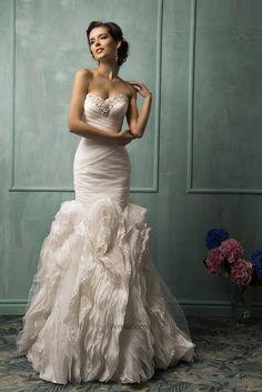 amelia-sposa-bridal-2014-lorenza-strapless-wedding-dress-ruffle-skirt.jpg 1,213×1,817ピクセル