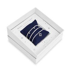 Joma Jewellery  Gift Box - Merry Christmas Christmas Night, Christmas Themes, Merry Christmas, Christmas Gifts, Bracelet Gift Box, Christmas Delivery, Jewelry Gifts, Jewellery, Jewelry Collection