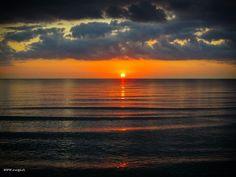 raegi-foto:  Sunrise Corsica by raegi