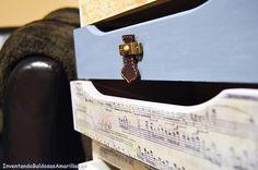 Inventando el finde 12: cajonera decorada con partituras