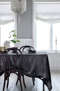 Nordic dining space with a grey cloth in washed linen on the dining table. Interior, Home Decor, Scandinavian Style Home, House Interior, Home Deco, Dining Room Inspiration, Interior Design, Vintage Dining Room, Home And Living