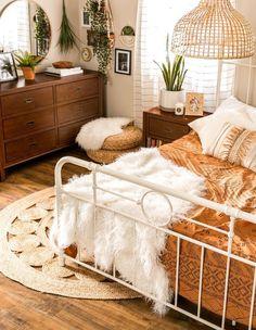 Room Ideas Bedroom, Dream Bedroom, Home Decor Bedroom, Dream Rooms, Wooden Furniture Bedroom, Eclectic Bedroom Decor, Cottage Style Bedrooms, Simple Bedroom Decor, Wicker Bedroom