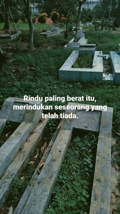 Quotes Rindu, Snap Quotes, Story Quotes, Allah Quotes, Muslim Quotes, Heart Quotes, Quran Quotes, People Quotes, Mood Quotes