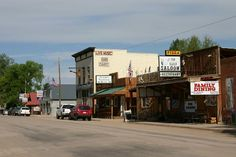 Ten Sleep, Wyoming  Ten Sleep is a town in Washakie County, Wyoming, United States. It is located in the Big Horn Basin in the western foothills of the Big Horn Mountains, about 26 miles east of Worland and 59 miles west of Buffalo.
