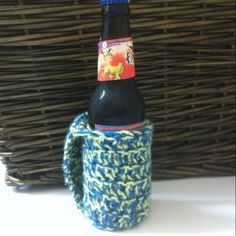 Crochet cozy with handle (made complete by flying dog/Ralph steadman art)