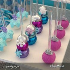 Stacked cake pops, frozen party