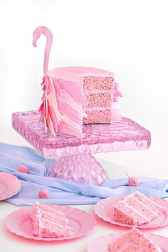 This easy Flamingo Rice Krispy Treat Cake recipe is super fun and will be the hit of any party! Delicious too! Flamingo Party, Flamingo Cake, Flamingo Birthday, Pink Flamingos, Baby Birthday, Birthday Ideas, Rice Krispie Treats, Rice Krispies, Cake Pops