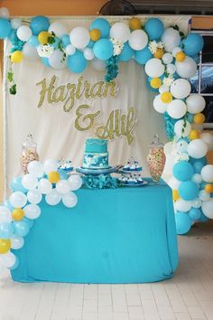 Oceana balloon garland wedding decor by Party Rush.  #PartyRush #balloongarland #balloongarlands #weddingdecor #partydecor #partydecor #eventdecormelaka #eventdecorkl