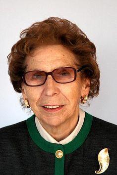 Laura Iglesias, (Benavente, 1926) Doctora en Ciencias y profesora de investigación del Consejo Superior de Investigaciones Científicas.