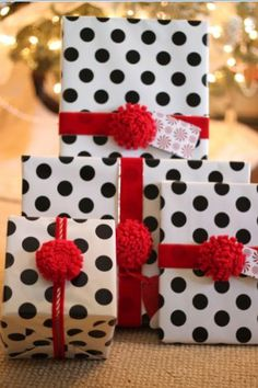 Felt Flower Holiday Wrapping Idea ...Tutorial
