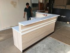 Discover recipes, home ideas, style inspiration and other ideas to try. Office Counter Design, Reception Counter Design, Shop Counter Design, Modern Reception Desk, Office Table Design, Reception Furniture, Medical Office Design, Pharmacy Design, Home Office Design