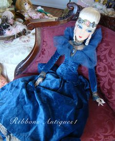 ALL ORIGINAL ARTIST BOUDOIR DOLL RING LADY WITH PARISIAN¨TAG.