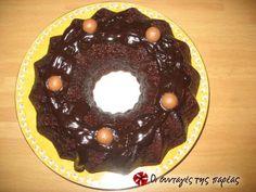 Κέικ με μπανάνες, εύκολο και νόστιμο #sintagespareas Brownie Cake, Brownies, Snack Recipes, Cooking Recipes, Snacks, Cake Bars, Crepes, Cooking Time, Doughnut