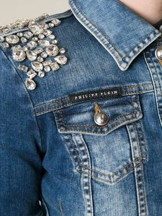 2020 jeans outfits 2020 trendy jeans jackets and outfits . Embroidery On Clothes, Embroidery Fashion, Denim Ideas, Denim Crafts, Collar Designs, Denim And Lace, Denim Fashion, Emo Fashion, Modest Fashion