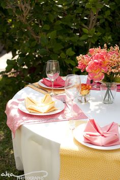 Flawless Fêtes: Tablescapes Shoot - Bright Garden