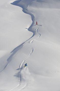 Powder! Freeskiing or freeriding in Tyrol's mountains #lovetirol #welovesnow