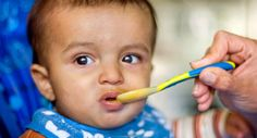 Some families prefer baby-led weaning, whereas others find their babies are happier with spoon-fed purées. We explain which foods are best to give your baby over the coming months. Baby Led Weaning First Foods, Baby Weaning, Henna Designs, Baby Fruit, Solids For Baby, Protein Rich Foods, Baby Puree, Baby Finger, Finger Food
