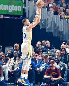 Photos: Warriors at Cavs - Curry Basketball, Basketball Is Life, Basketball Skills, Basketball Players, Basketball Hoop, Stephen Curry Shooting, Stephen Curry Wallpaper, Basketball Shooting Drills, Wardell Stephen Curry