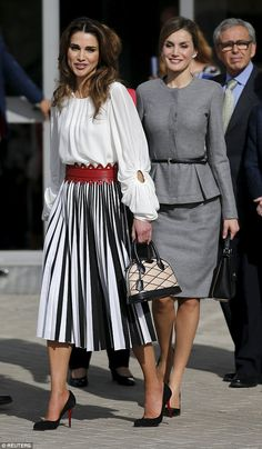 462ff6eca275e5 Queens Letizia and Rania step out in dramatically different looks