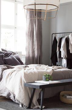 A dreamy & inviting Scandinavian bedroom - Daily Dream Decor