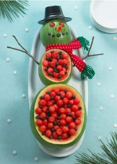 Cute and Creative! Super Cute Christmas Fruit and Vegetable Platter Ideas