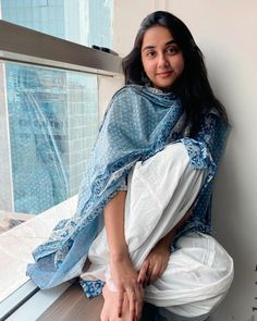 Casual College Outfits, Casual Dress Outfits, Fashion Outfits, Indian Dresses, Indian Outfits, Dress Design Patterns, Embroidery Suits, Girl Photography Poses, Western Outfits