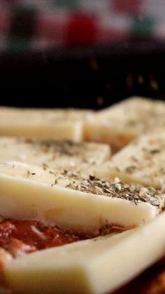 Comida Keto, Menu Restaurant, Empanadas, Food Network Recipes, Quinoa, Camembert Cheese, Eat, Panettone, Gastronomia